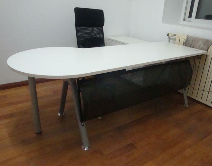 现代钢木办公桌